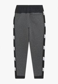 Nike Sportswear - HYBRID PANT - Trainingsbroek - obsidian mist/football grey/track red - 1