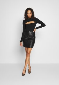 ONLY - ONLSKY FAUX - Mini skirt - black - 1