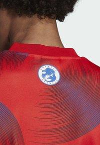 adidas Originals - T-shirts print - red - 5