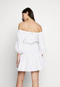 Guess - OTTAVIA DRESS - Day dress - blanc pur - 2