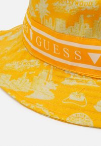 Guess - BUCKET HAT UNISEX - Klobouk - yellow - 3