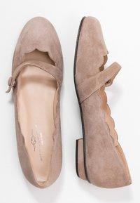 Brenda Zaro - CARLA - Ankle strap ballet pumps - taupe - 3
