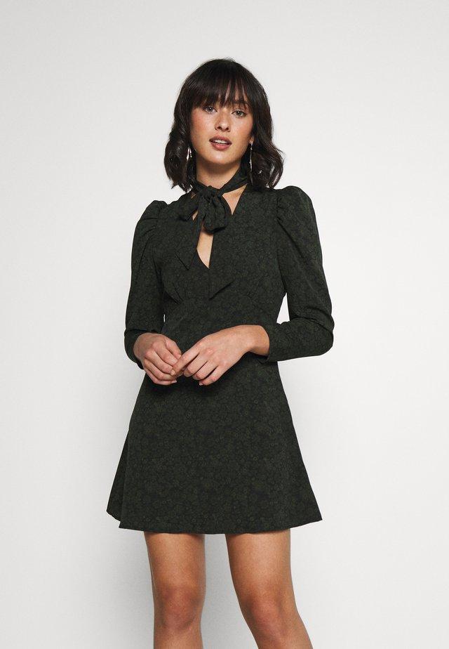 Vestido informal - khaki