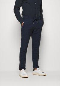 Lindbergh - PANTS - Pantalon classique - dark blue - 0