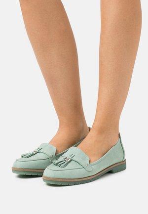 Scarpe senza lacci - sage