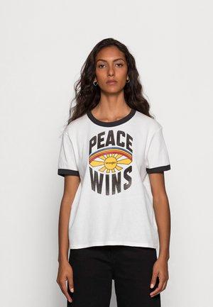 RELAXED RINGER - T-shirts med print - white