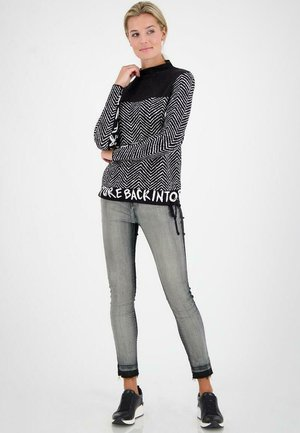 JACQUARD - Sweatshirt - black/white