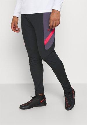 DRY ACADEMY PANT  - Spodnie treningowe - black/dark raisin/siren red