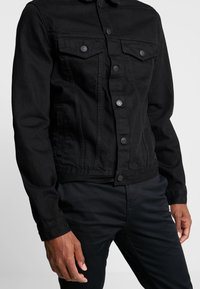 New Look - WESTERN - Denim jacket - black - 4