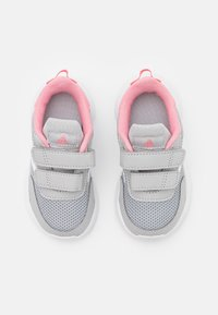 adidas Performance - TENSAUR RUN UNISEX - Zapatillas de running neutras - grey two/footwear white/super pop - 3