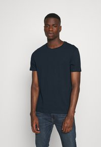 Burton Menswear London - BASIC 5 PACK - Basic T-shirt - pink - 6
