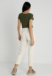 BDG Urban Outfitters - PAX - Džíny Straight Fit - ivory - 2