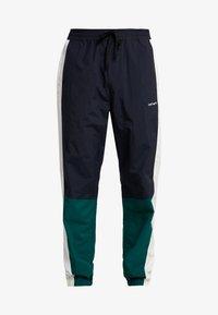 Carhartt WIP - BARNES PANT - Pantalones deportivos - dark navy / dark fir - 3