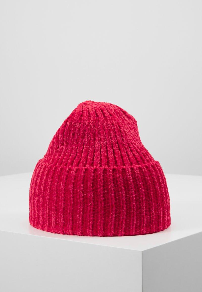 Molo - Čepice - fiery red