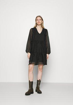 TATTY DRESS - Kjole - black