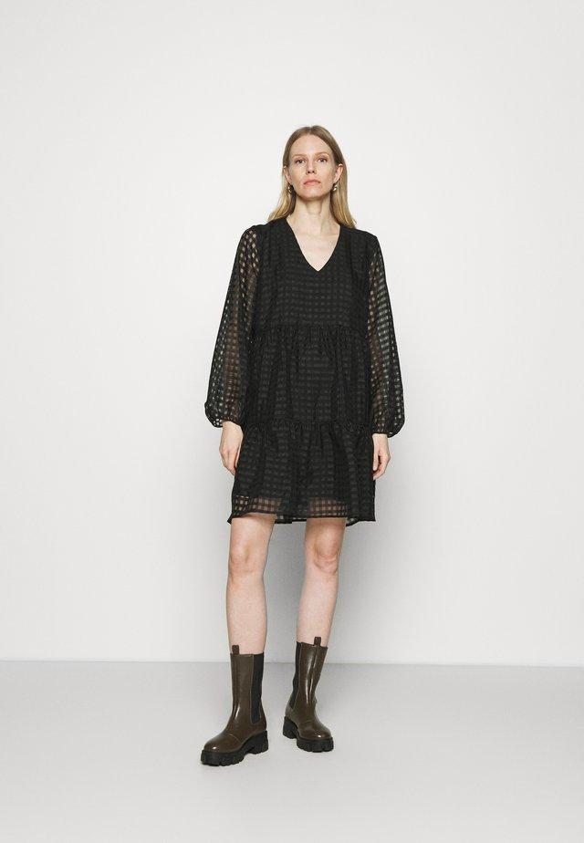 TATTY DRESS - Vestito estivo - black