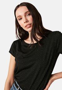 LC Waikiki - Basic T-shirt - black - 3