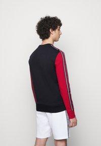 Michael Kors - CONTRAST CREWNECK - Sweatshirt - dark midnight - 2