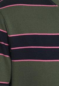 Club Monaco - NIRVANA STRIPED TEE - Print T-shirt - navy - 2