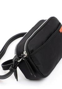 Emily & Noah - DAGMAR - Across body bag - black - 4