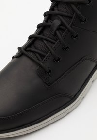 Timberland - BRADSTREET MOLDED - High-top trainers - black - 5
