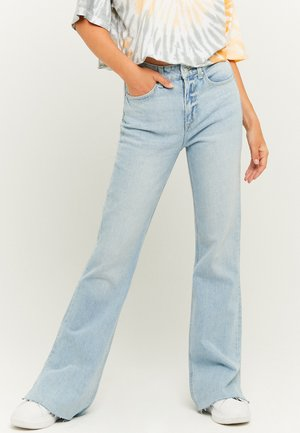 MISSING TITLE - Flared Jeans - blu013