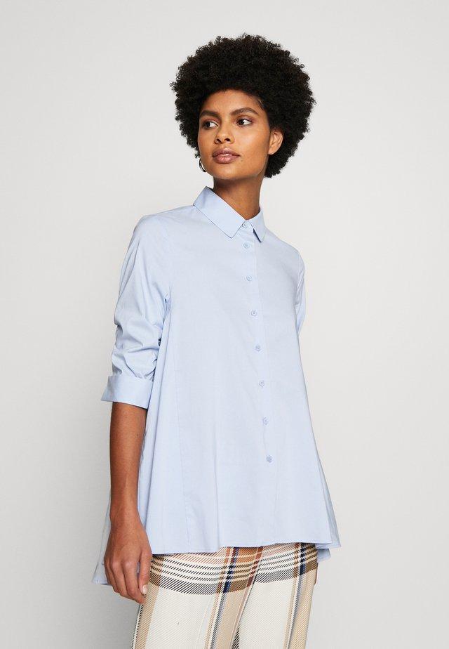 BENITA FASHIONABLE BLOUSE - Button-down blouse - summer cloud