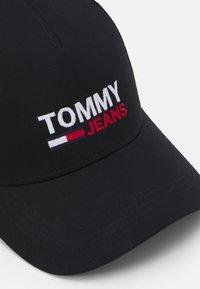 Tommy Jeans - FLAG TRUCKER UNISEX - Keps - black - 3