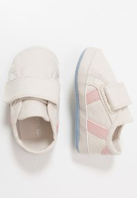 Lacoste - SIDELINE  - Baby gifts - offwhite/light pink - 0