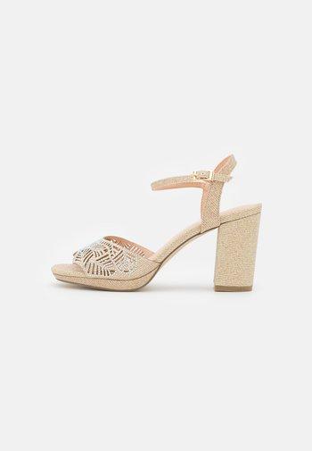 Sandals - rosegold