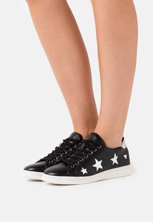 STARRY WIDE FIT - Zapatillas - black