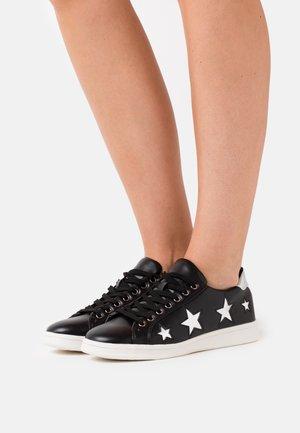 STARRY WIDE FIT - Sneakers - black