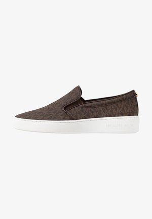 KEATON - Scarpe senza lacci - brown
