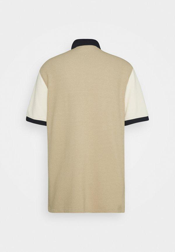 Tommy Hilfiger BRANDED TONAL BLOCK CASUAL - Koszulka polo - camel/biały Odzież Męska WZDY