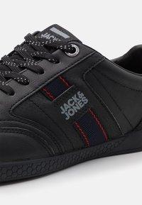 Jack & Jones - JFWBENSON  - Sneakers - anthracite - 5