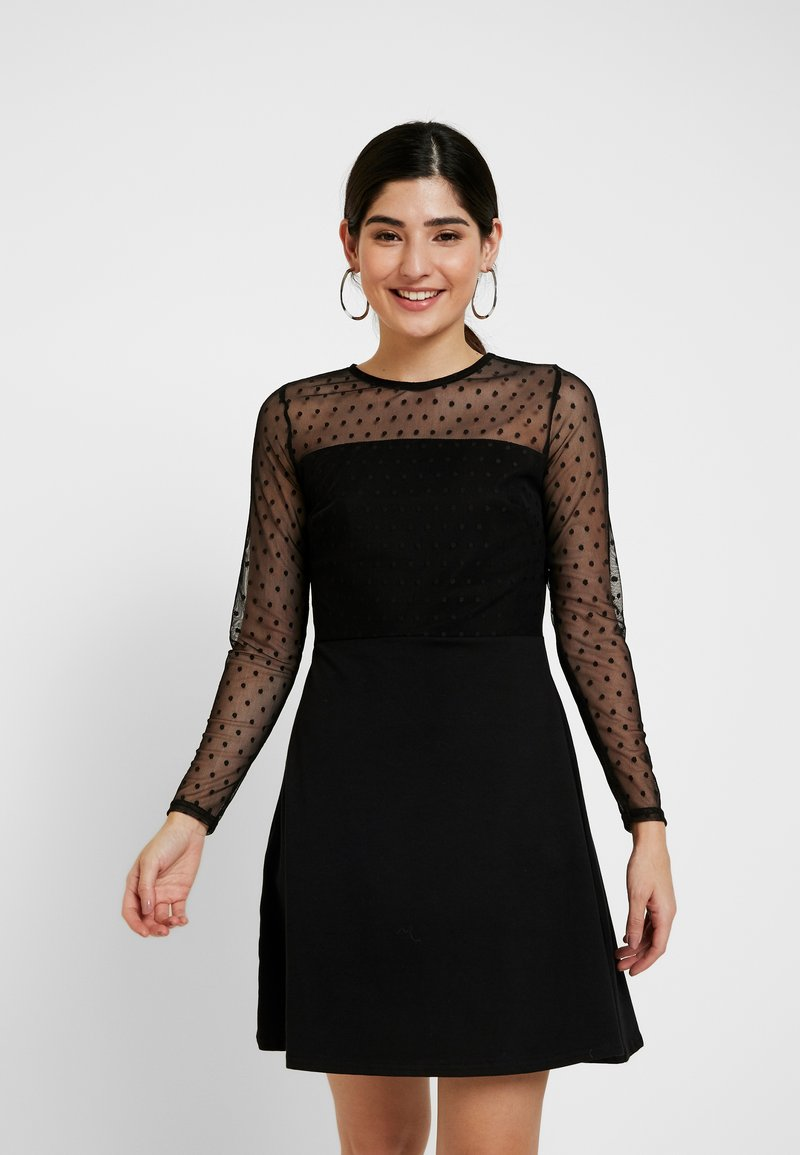 Dorothy Perkins Petite - DOBBY FIT AND FLARE DRESS - Jerseykjole - black