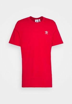 ESSENTIAL TEE - T-shirt - bas - scarlet
