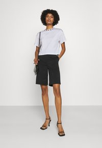 Emporio Armani - Basic T-shirt - white - 1