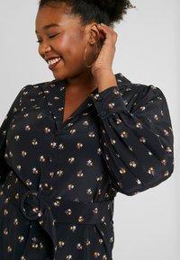 Fashion Union Plus - PRINTED BUTTON THROUGH DRESS - Košilové šaty - black - 4