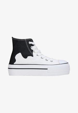 Zapatillas altas - black white