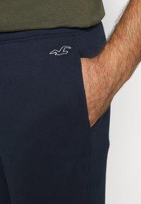 Hollister Co. - 2 PACK - Teplákové kalhoty - navy/black - 5