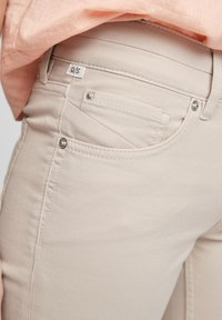 QS by s.Oliver - Denim shorts - beige - 4