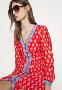 J.CREW - DRESS IN BLOCKPRINT - Košilové šaty - cerise cove/multi - 3