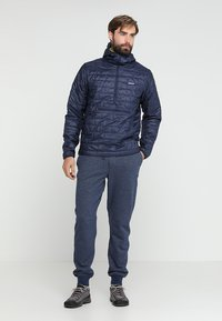 Patagonia - MAHNYA PANTS - Pantalon de survêtement - navy blue - 1