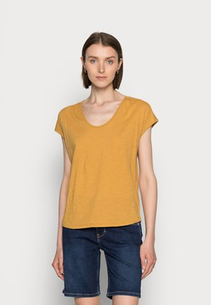 SHORT-SLEEVE DEEP ROUND-NECK - Basic T-shirt - sweet corn