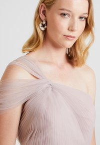 TH&TH - LUNA - Occasion wear - smoked orchid - 3