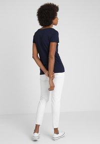 GAP - FAV CREW - T-shirt basic - navy uniform - 2