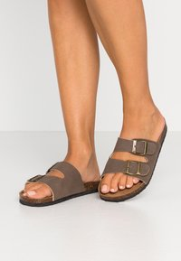 Rubi Shoes by Cotton On - REX DOUBLE BUCKLE SLIDE - Slippers - brown - 0