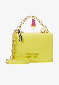 Versace Jeans Couture - CHAIN CHARMS - Schoudertas - yellow - 4