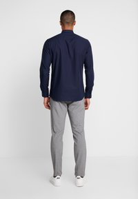 Jack & Jones PREMIUM - JPRVICTOR SLIM FIT - Skjorta - navy blazer - 2